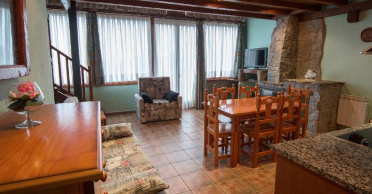 Apartament Pinsà